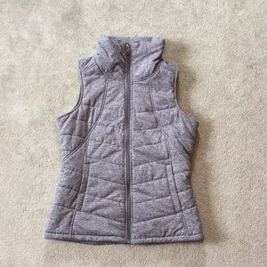 Women's north face vest size medium